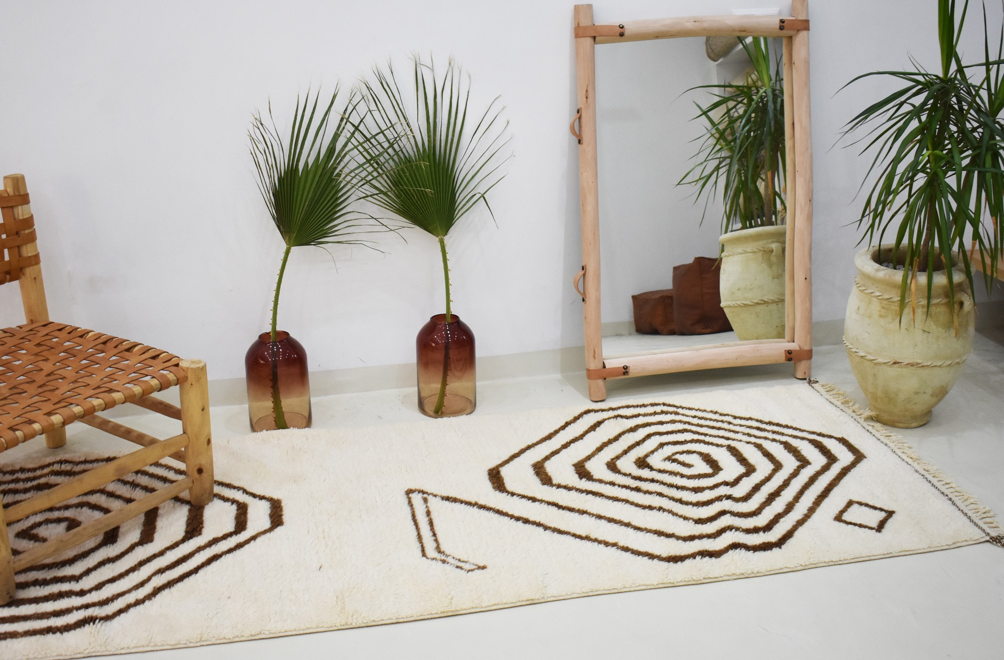 Berber carpet in serpentine corridor