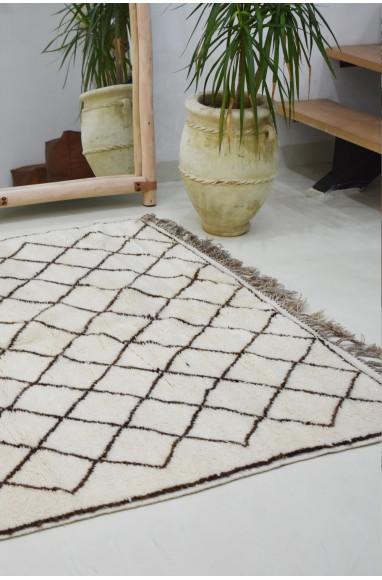 Classic Berber carpet with brown diamonds