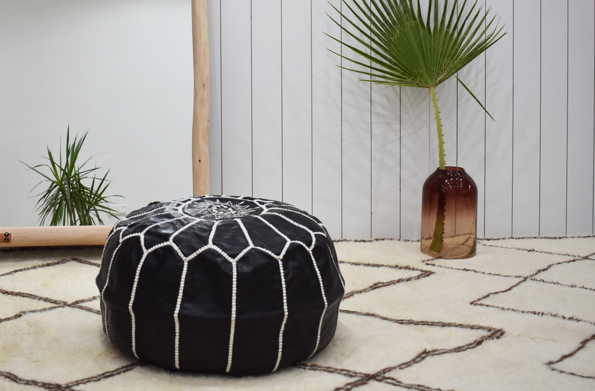 "Black and white round pouf ""Black mystery"""