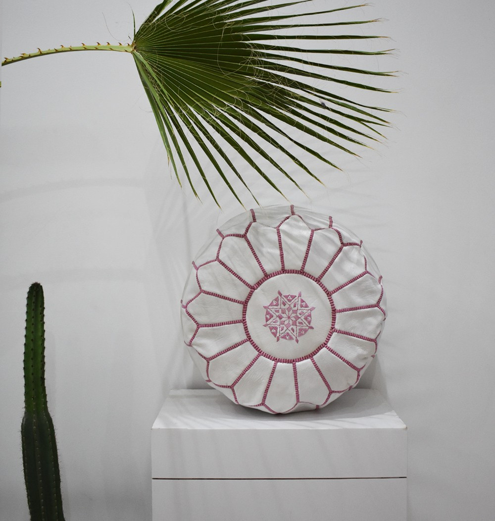 "White and pink round pouf ""Amaryllis"""