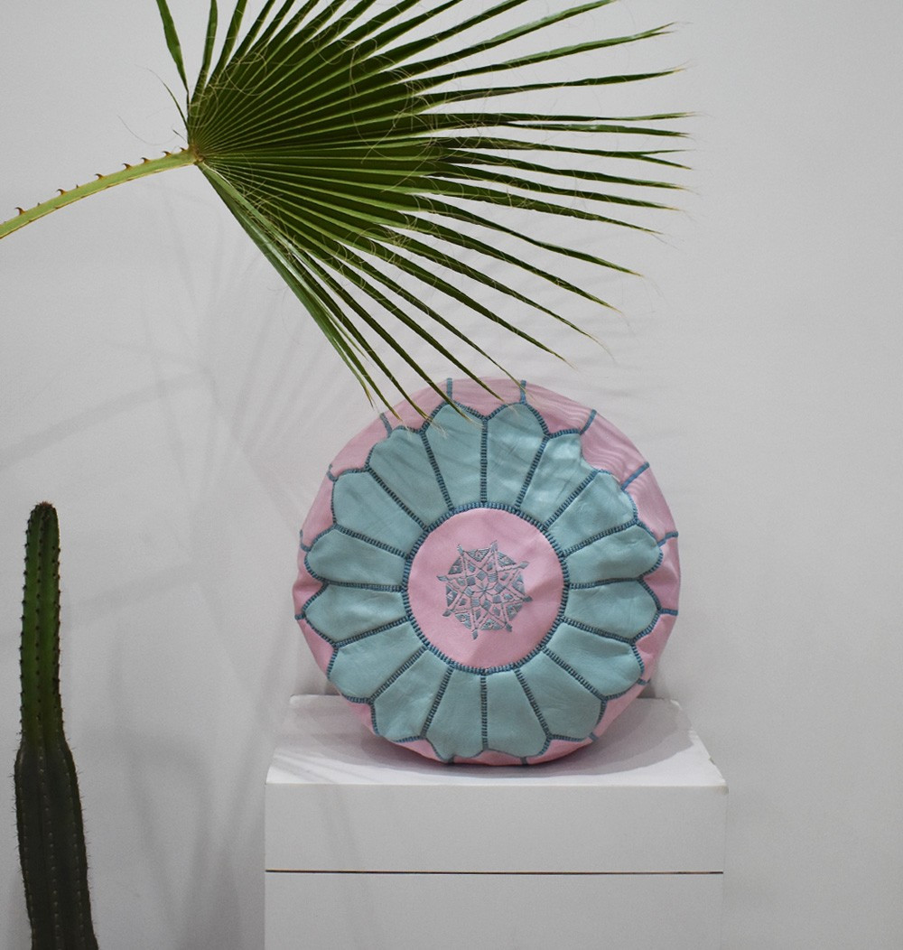 "Pink and blue round pouf ""Cornflower"""