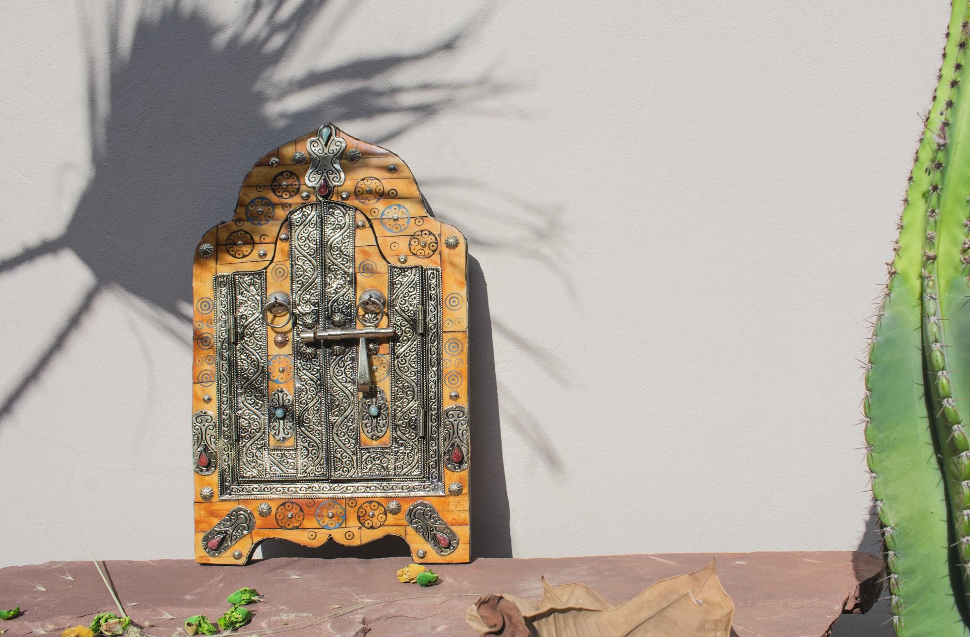 """Miroir fenêtre orangé et argent """"Porte berbère"""""""