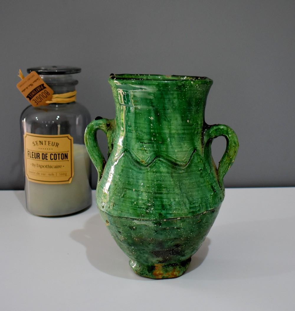 Vase classique tamgroute vert à deux oreilles