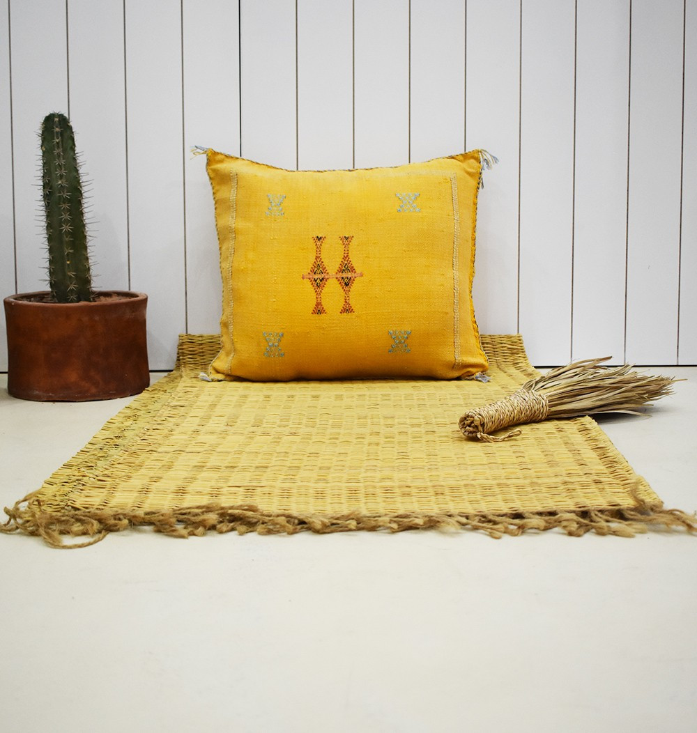 Chick yellow berber cushion cover