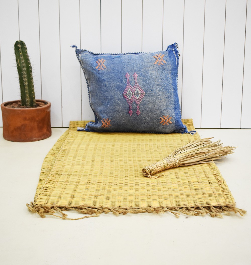 Irregular blue berber cushion cover
