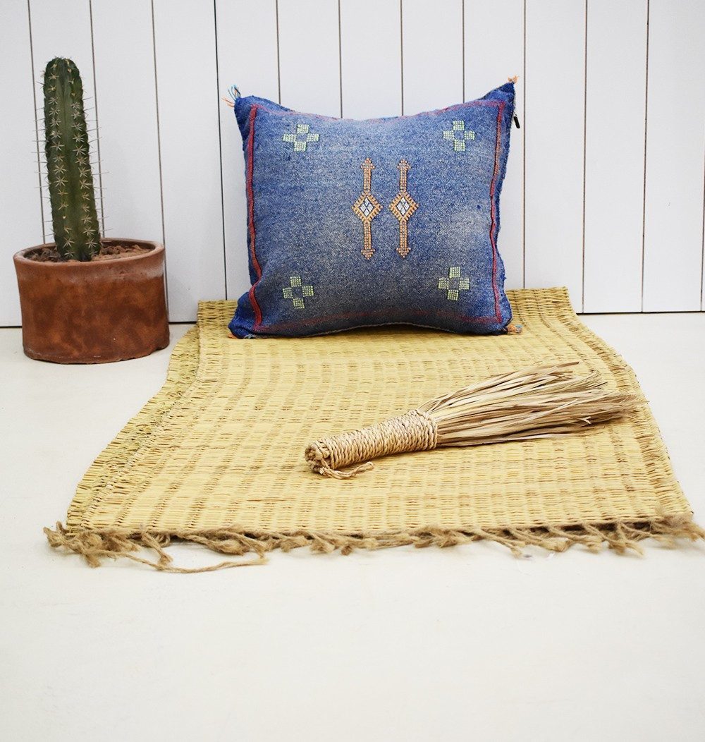 Berber cushion cover 45x45 blue jean red frame