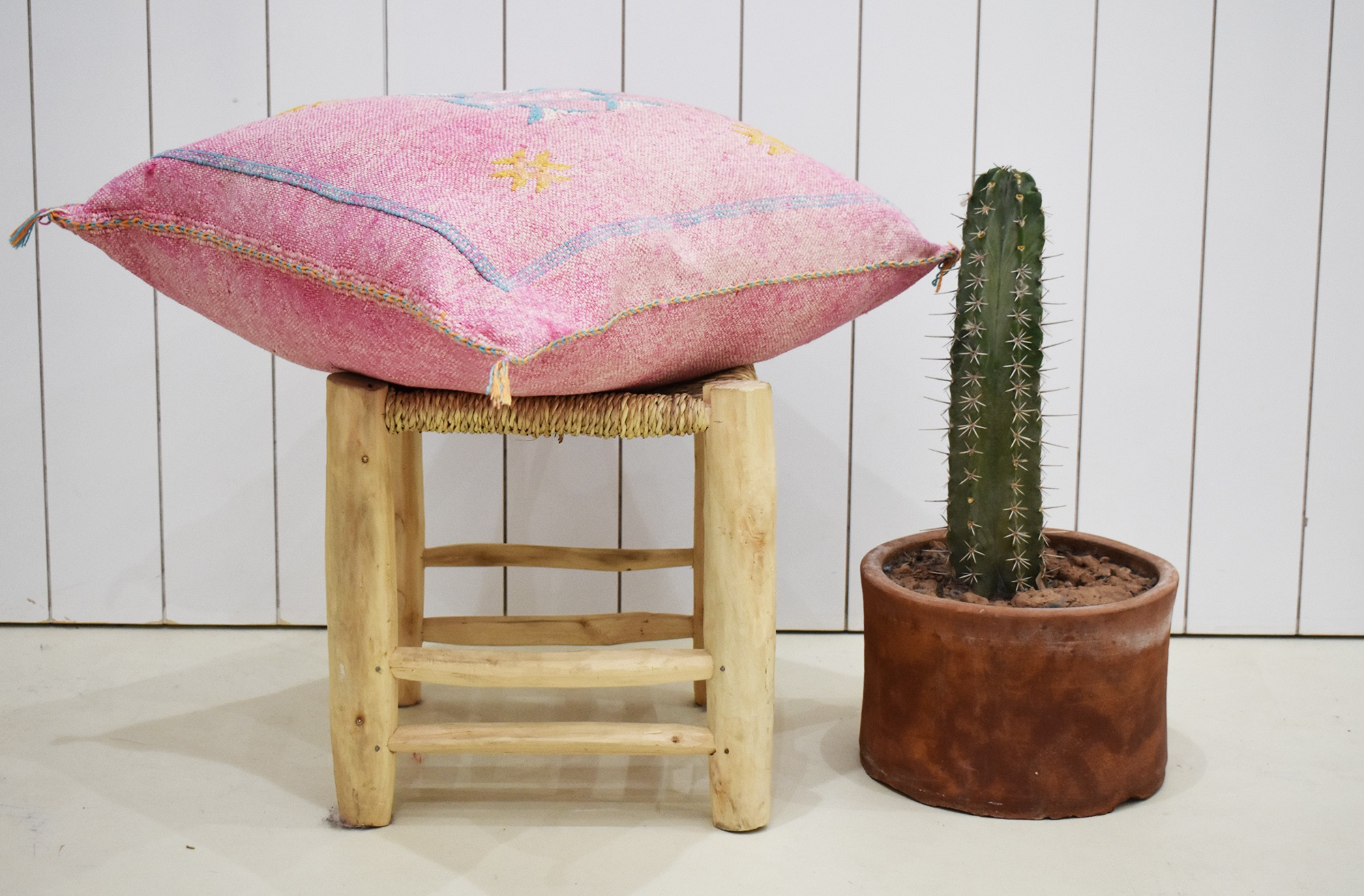 Faded pink Berber cushion cover