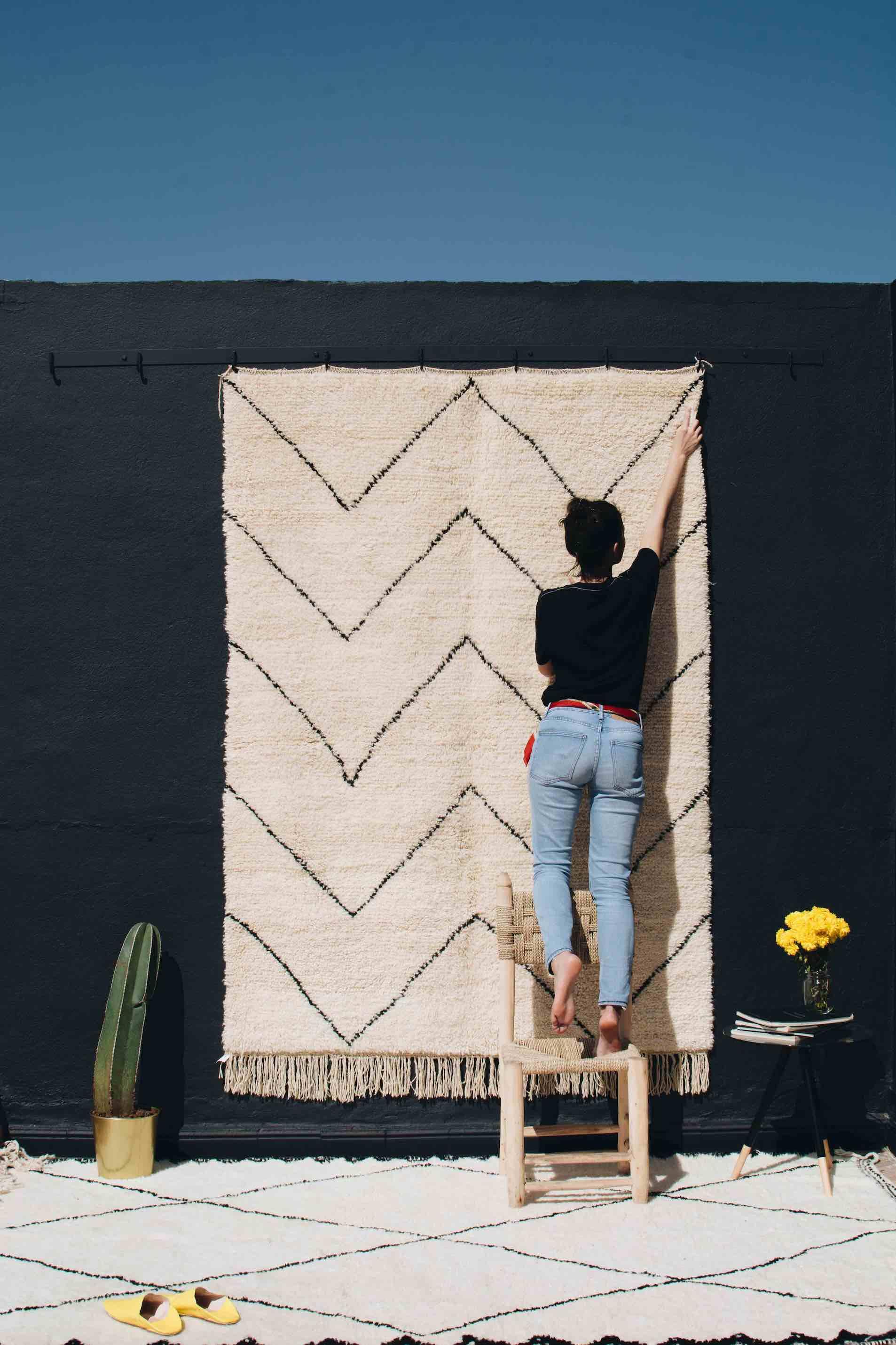 tapis berbere beni ouarain noir et blanc
