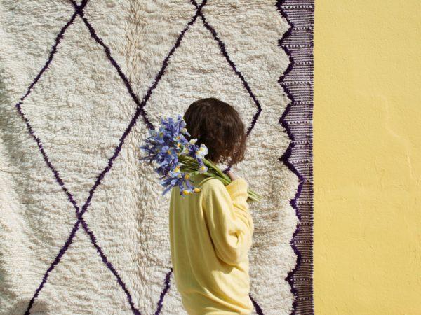 tapis beni ouarain finition kilim bleu et blanc