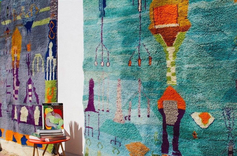 tapis berberes colotés bleu et turquoise en laine