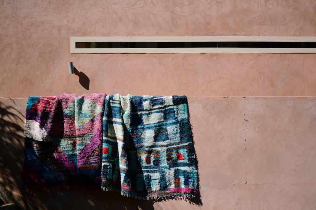 nettoyer son tapis en laine au soleil