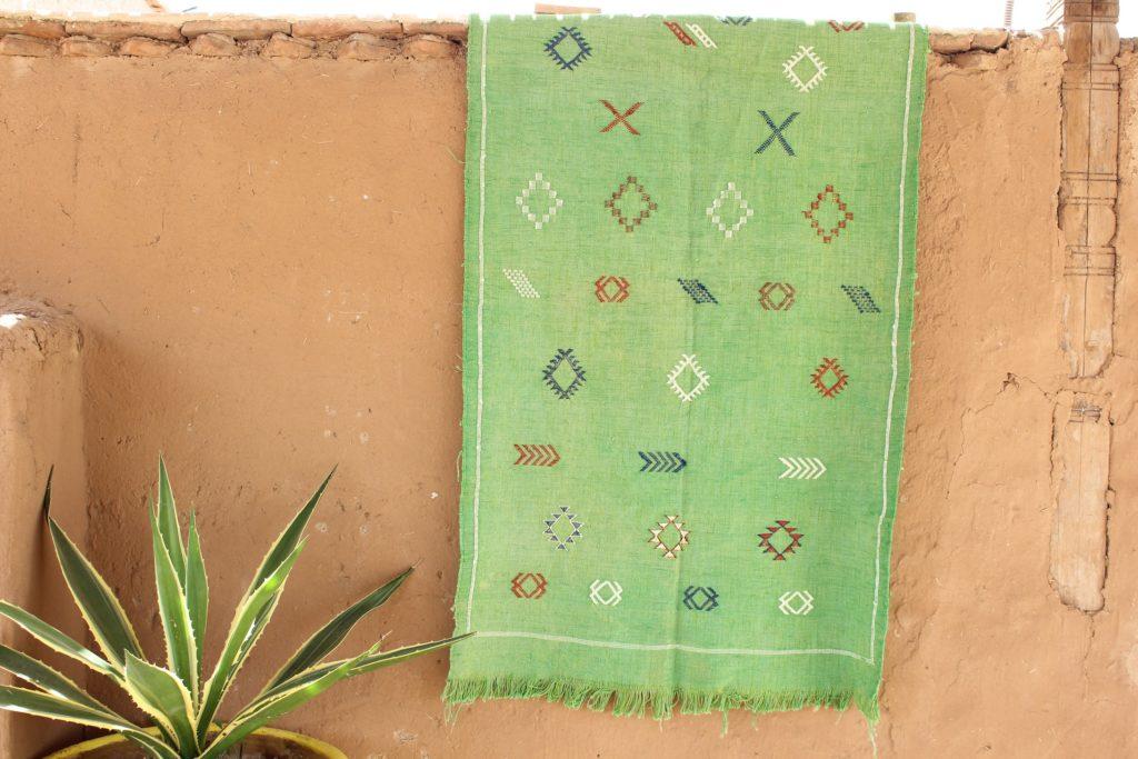 sabra de cactus et tapis sabra marocain
